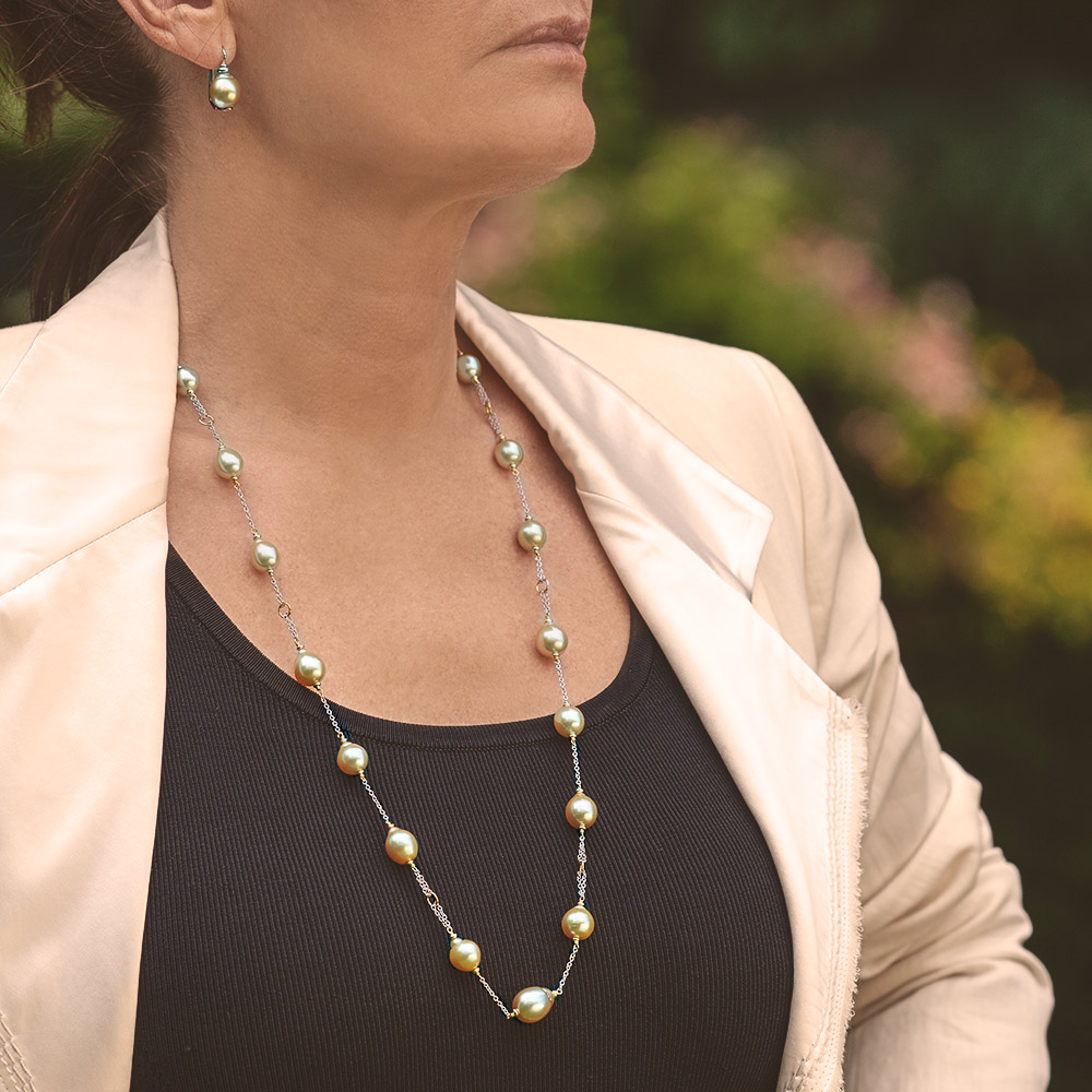 Silvia Kelly - Lecco jewelry - Italian jewelry - Gold necklace and Earrings